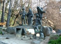 Памятники Тбилиси: Скульптура Я, бабушка, Илико и Илларион