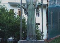 Памятники Тбилиси: Этим Гурджи