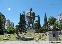 Памятник Важа Пшавела