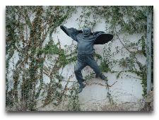 Памятники Тбилиси: Скульптура С. Параджанов