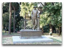 Памятники Тбилиси: Л.Гудиашвили, художник