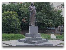 Памятники Тбилиси: Михай Зичи
