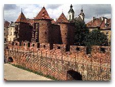 Достопримечательности Польши: Барбакан