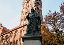 Путеводитель по Польше: Памятник Копернику
