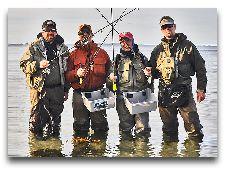 Рыбалка на острове: Рыбаки