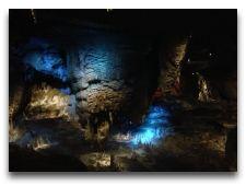 Пещера Сатаплиа: В пещере