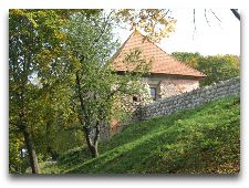 Достопримечательности Тракая: Крепостная стена замка на полуострове