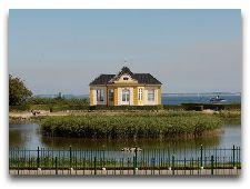 Замок Вальдемарс: Павильон на берегу