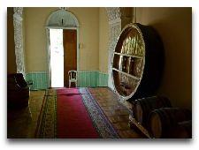 Виноводочный завод Хавренко: Дубовые бочки с вином