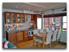 Вoat house в гавани: Домик No.10 гостиная