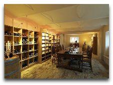 Замок Брохолм: винотека