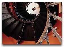 Замок Брохолм: лестница замка