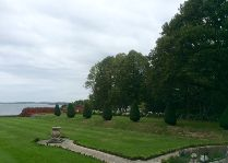 Замок Чулёхольм: Французский парк