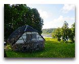Алатскиви (замок): В замковом парке