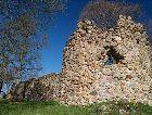 Алуксне: Руины Ливонского замка.
