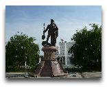 Ашхабат: Памятник Солтану Санджару