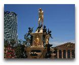 Батуми: Скульптура Посейдона