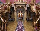 Замок Бирини: вестибюль замка