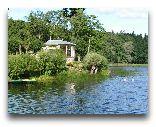 Замок Бирини: парк