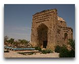 Дашогуз: мавзолей Наджиметдина Кубры