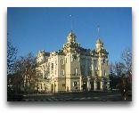 Еле́ня-Гу́ра (Цеплице): Театр