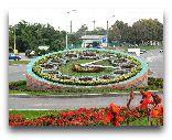 Харьков: Цветочные часы на проспекте Гагарина