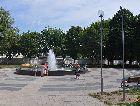 Несвиж: Фонтан на площади