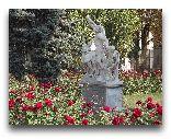 Одесса: Скульптура Лаокоон у входа в Археологический музей