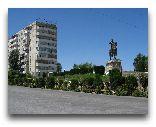 Пенджикент: Памятник Сомони