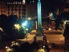 Рига: Памятник Свободы вечером