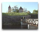 Остров Сааремаа: Мост через ров замка