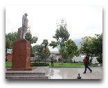 Шеки: Памятник Гейдару Алиеву в Шеки