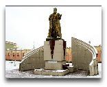 Ура-Тюбе: Памятник Рудаки