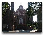 Вильнюс: Коcтёл Св. Анны с главного фасада