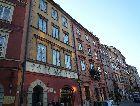 Варшава: Здания на торговой площади