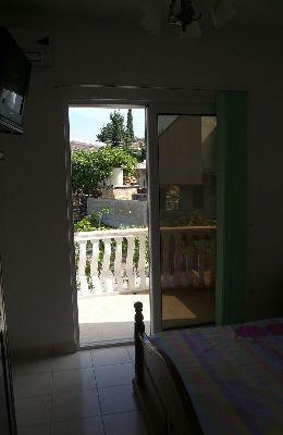 № 3 - двухместный номер с французской кроватью: выход на балкон