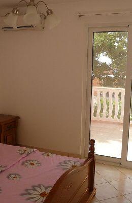 № 7 - одноместный номер с французской кроватью: вид номера 7
