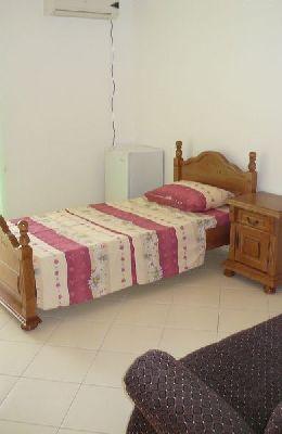 № 8 - двухместный номер с одиночной кроватью: комната номера 8