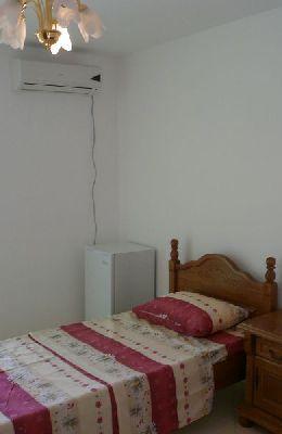 № 8 - двухместный номер с одиночной кроватью: мебель комнаты