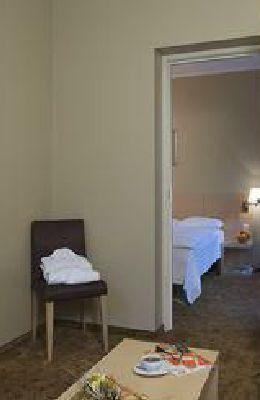 Semi-Suite: Комнаты номера