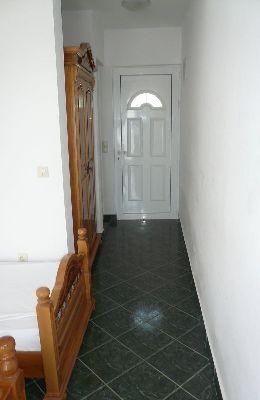 №8 - трехместный номер: коридор номера 8