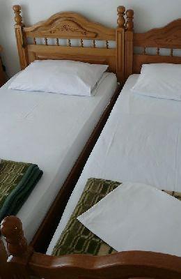 №8 - трехместный номер: номер 8 2 кровати