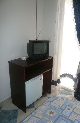 №4 - двухместный номер с дополнительной кроватью: телевизор и холодильник номера 4