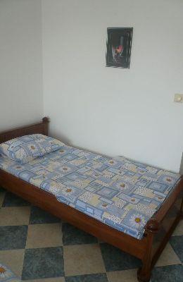 №4 - двухместный номер с дополнительной кроватью: доп. кровать номера 4