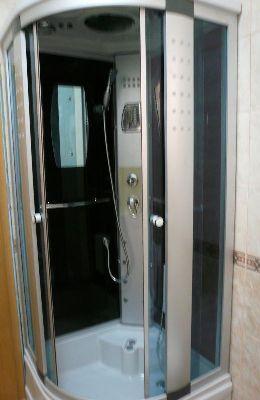 № 2 - двухкомнатный номер: душевая кабина в санузле